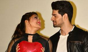 Sooraj Pancholi and Jacqueline Fernandez brought their on-screen chemistry in the new song GF BF in real life too at the music launch of their single.