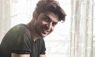 Did you know? Gurmeet Choudhary was called Shashi Kapoor by his friends and family when he was a child.