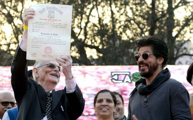 Shah Rukh Khan, who graduated from Hansraj College in 1988, returned to his alma mater recently to promote his upcoming film Fan.