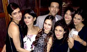 Aamir Ali and Sanjeeda Sheikh, one of the cutest couples of telly-world, celebrated their fourth wedding anniversary on March 2 with their close friends. Here's a peek in to the bash.