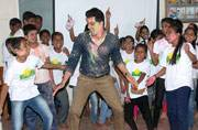 TV actor Anuj Sachdeva celebrates Holi with Smile Foundation kids