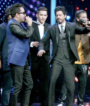 Shah Rukh Khan kickstarted the small screen promotions for his upcoming movie Fan with Zee TV's Sa Re Ga Ma Pa.