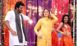 Arjun Kapoor and Kareena Kapoor Khan add Bollywood colour to small screen Holi celebrations.