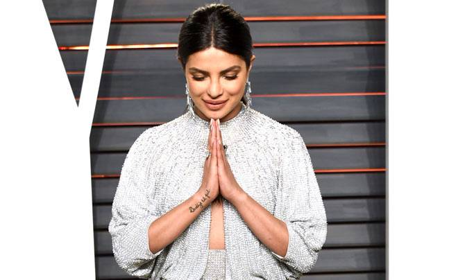 The big Oscar night is over but the Hollywood stars are still in the Oscar trance. Indian actor Priyanka Chopra was among the Hollywood divas to celebrate her first Oscar appearance. Let's have a look at Bollywood's Desi Girl and her big bash in Hollywood