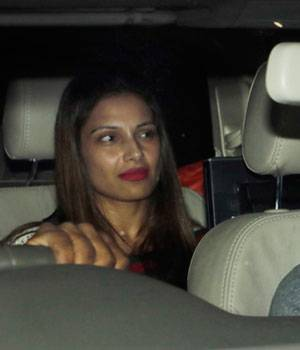 While Karan Singh Grover and Bipasha Basu were clicked by the cameras at Bandra enjoying a late-night drive just a week before their marriage, Sanjay Dutt was spotted with wife Manyata and kids at Mumbai airport.