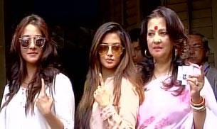TMC MP Moon Moon Sen, her daughters Raima & Riya after casting their votes.