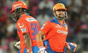 Steve Smith IPL,Smith IPL ton,MS Dhoni,Rising Pune Supergiants,Gujarat Lions,IPL 2016 photos,Suresh Raina,Dwayne Smith,Breondon McCullum