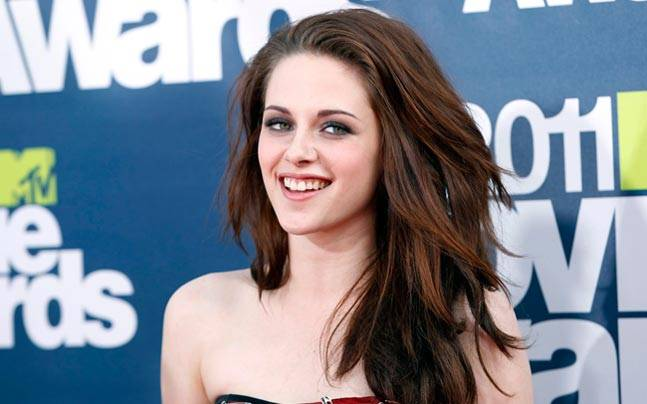 Kristen Stewart has turned 26-years-old this year. Kristen Stewart became an overnight star after Twilight. Let's know some interesting facts about Kristen aka 'Bella Swan'.