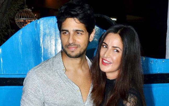 Katrina Kaif and Sidharth Malhotra, who will be seen together in Nitya Mehra's Baar Baar Dekho, let their hair down at the film's wrap-up bash.
