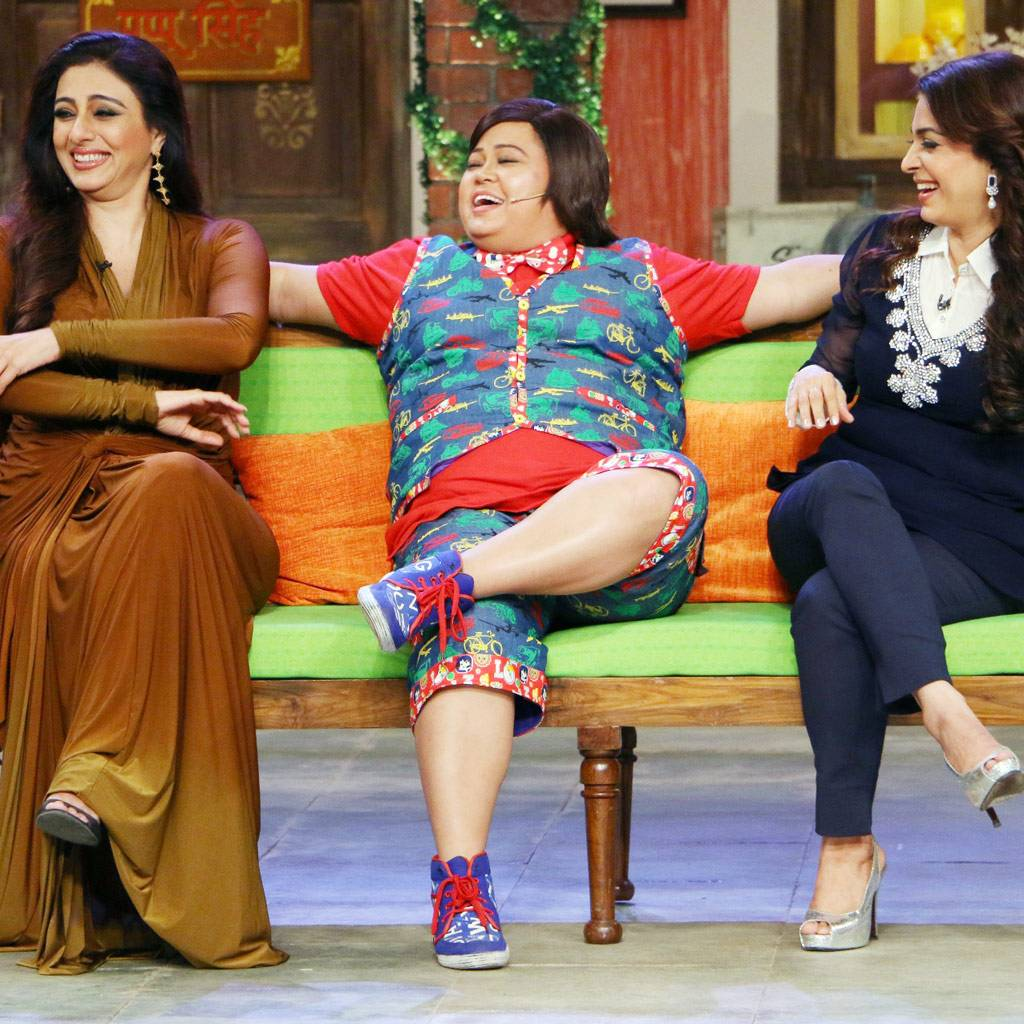 Bollywood actresses Juhi Chawla and Tabu had a blast on the sets of Comedy Nights Live. Check out the pictures.