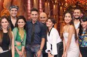 Akshay Kumar, Riteish Deshmukh, Jacqueline Fernandez, Lisa Haydon shot for a fun episode with Krushna Abhishek, Bharti Singh, Anita Hassanandani and Sudesh Lehri to promote their upcoming film Housefull 3 on Comedy Nights Bachao. Check out the pictures.