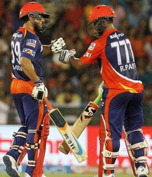 Carlos Brathwaite photos,Delhi Daredevils photos,Karun Nair photos,David Warner photos,Rishabh Pant photos,Barindrer Sran photos,Sunrisers Hyderabad photos,Eoin Morgan photos,IPL 2016 photos