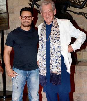 While Aamir Khan was spotted with veteran British actor Ian McKellen at the launch of the Mumbai Academy of Moving Images' (MAMI) Film Club, Salim Khan attended Sarbjit's screening at Light Box theatre in Mumbai.