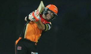 David Warner,Sunrisers Hyderabad,Bipul Sharma,Bhuvneshwar Kumar,Suresh Raina,IPL 2016,Sunrisers photos