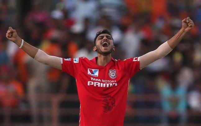 IPL 2016,Kings XI Punjab,Axar Patel,Axar hat-trick,Gujarat Lions,Murali Vijay,Suresh Raina