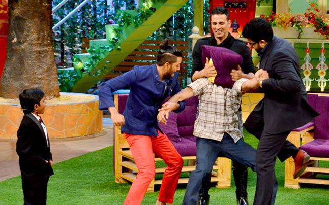 Akshay Kumar, Abhishek Bachchan and Riteish Deshmukh had a ball on the sets of The Kapil Sharma Show, when they came promoting their upcoming film Housefull 3.