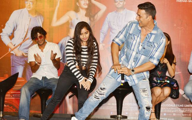 Housefull 3 is all set to hit the screens today (June 3). Akshay Kumar, Jacqueline Fernandez, Chunky Pandey and Abhishek Bachchan attended the press conference in Mumbai.