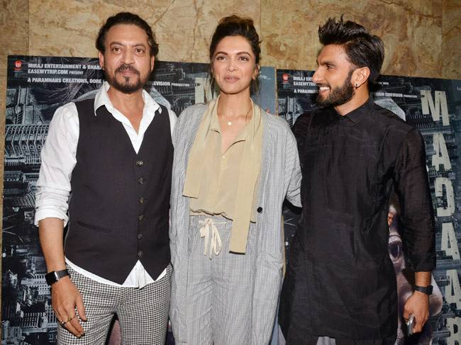 Ranveer Singh and Deepika Padukone walked in together at Irrfan's Madaari screening in Mumbai. The trio posed for the shutterbugs at the event.