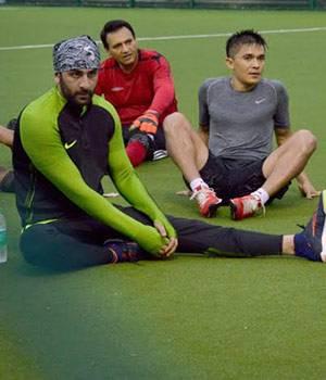 Ranbir, Sunil Chhetri, Dino Morea, Sooraj Pancholi, Bunty Walia participated in a charity football match; Aryan Khan spotted outside Bandra eatery