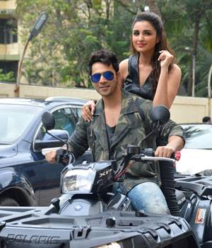 The makers of the film Dishoom have released a new song titled Jaaneman Aah that features Varun Dhawan and Parineeti Chopra.