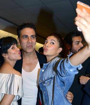 Dishoom's screening was a star-studded affair with who's who of Bollywood being a part of the gala night. From Akshay Kumar to Ranveer Singh to Sonam Kapoor, many came to cheer for the recently released buddy-cop film.