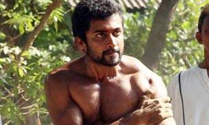 Saravanan Sivakumar known by his stage name Suriya, is celebrating his 40th birthday today. Following the footsteps of his idol Kamal Haasan, Suriya is known for experimenting films. On his birthday, it is worth remembering some of his performances as an