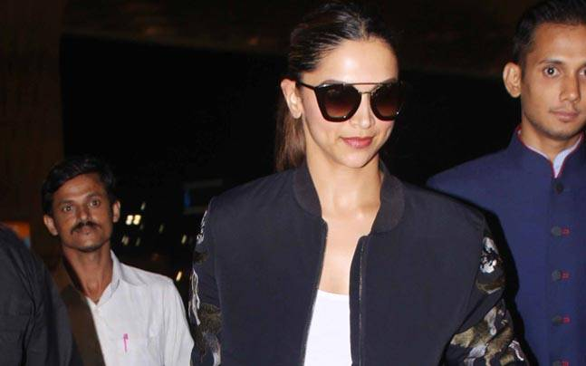 While Varun Dhawan and John Abraham were busy promoting their upcoming film Dishoom in a gym in Mumbai, Deepika Padukone was clicked by the lenses at an international airport.