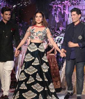 Manish Malhotra at Lakme Fashion Week