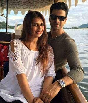 Divyanka Tripathi and Vivek Dahiya are one of the busiest telly town couples. The famous duo got married on July 8 this year, but they did not get time to honeymoon thanks to their hectic schedules. But it looks like they have finally some time in hand an