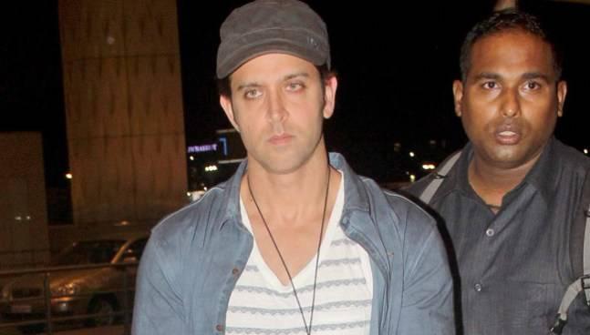 While Mohenjo Daro star Hrithik Roshan was spotted at Mumbai international airport, Aditya Roy Kapoor and his Dawaat-e-Ishq co-star Parineeti Chopra were seen in Versova.