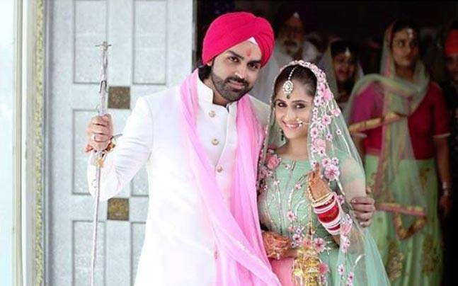 Television actors Hunar Hale and Mayank Gandhi tied the knot in a quiet gurudwara ceremony on August 28 in Delhi, in the presence of their close friends and family.