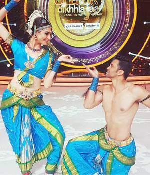 The top 8 contestants of Jhalak Dikhhla Jaa will put their best foot forward while performing for the regional special of the dance reality show.