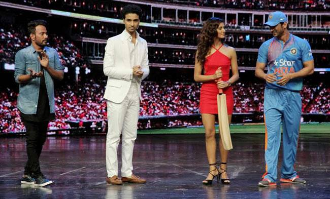 Sushant Singh Rajput, Shakti Mohan, and Raghav Juyal on the sets of the dance reality show, Dance Plus 2.