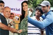 Katrina Kaif accepted the Smita Patil award from Nitin Gadkari, while Sidharth Malhotra indulged a fan with a picture right outside his residence.