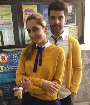 Karan Kundra and Anusha Dandekar strike a cute-couple pose for the camera
