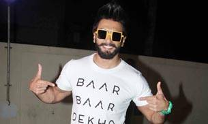 Ranveer Singh, who was seen at a screening of Baar Baar Dekho, promoted the Sidharth Malhotra and Katrina Kaif-starrer in his own way.