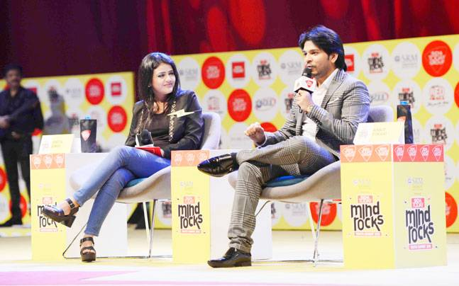 Ankit Tiwari, best known for songs like Galliyan and Sunn Raha Hai, caught up with fans and performed music at Mind Rocks Youth Summit 2016.