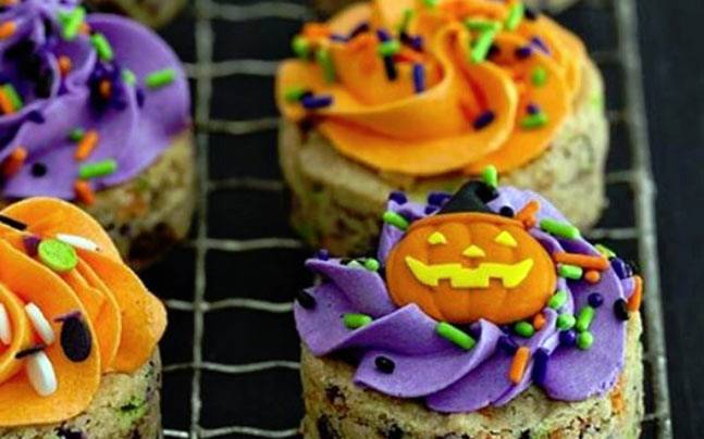 Some look creepy, some look scary, and some are too disgusting for words. Yes, that's Halloween-themed food for you!