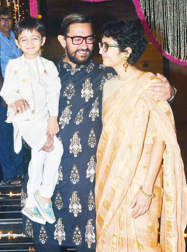The who's who of Mumbai and not just Bollywood attended Aamir Khan's Diwali party. From Sachin Tendulkar to the Ambanis, from Sunny Leone to Farhan Akhtar, here are the glitterati present at Aamir's Diwali bash.
