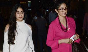 The mother-daughter duo of Sridevi and Jhanvi Kapoor looked stunning as they exited the airport making quite a few heads turn along the way.