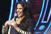 Vidya Balan promotes Kahaani 2 with Shilpa Shetty on the sets of Super Dancer.