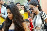 Suhana Khan and her friends returned to Mumbai after ringing in her dad's 51st birthday at Alibaug.