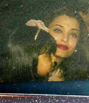 From Kiran Rao to Manyata Dutt, Bollywood's moms came to Pratiksha to celebrate Aishwarya Rai Bachchan's daughter Aaradhya's birthday. Here are the pictures.