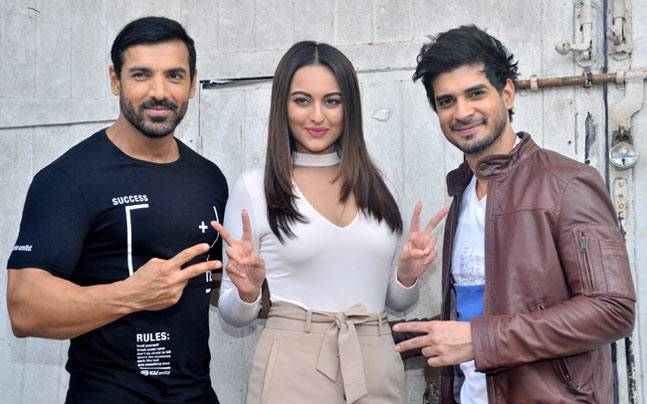While the Force 2 team comprising of John Abraham, Sonakshi Sinha and Tahir Raj Bhasin were seen at Mehboob Studio, Sidharth Malhotra was seen cycling in New Zealand.