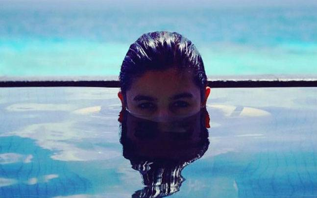 Alia Bhatt and family are enjoying an exotic holiday in Maldives. Picture:Twitter/MaheshNBhatt