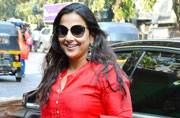 While Vidya Balan was clicked by the shutterbugs in Bandra, Sunny Leone was seen promoting Shah Rukh Khan's upcoming film Raees.