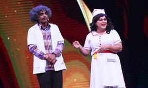 Sunil Grover as Dr. Mashoor Gulati and Ali Asgar as Nurse Laila recently made a special appearance on the sets of Sabse Bada Kalakar.