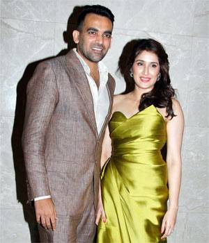 Zaheer Khan and Sagarika Ghatge's engagement bash was a star-studded affair. From cricketers to Bollywood stars, many were present at the engagement bash.
