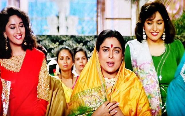 When most actors shy away from playing mom or dad on screen, Reema Lagoo took up the challenge to portray the role at the age of 30. It all began with the 1988 film Qayamat Se Qayamat Tak, and she was one of the few actors who did not hesitate to play the