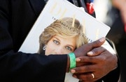 Remembering Diana: People pay heartfelt tribute at Kensington Palace
